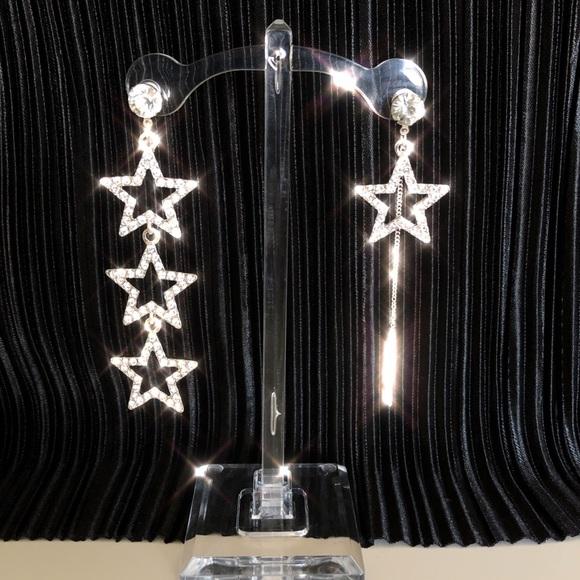 Vintage Jewelry - Rhinestoned star drop earring in silver
